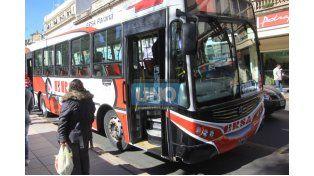 Piden hacer cumplir a las empresas de transporte con las unidades adaptadas con rampas