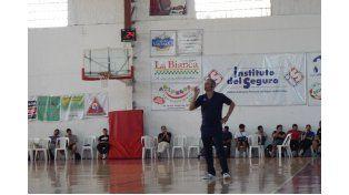 DE LUJO. La Clínica de ENEBA se desarrolló viernes y sábado en el club Talleres de Paraná. Sergio Hernández