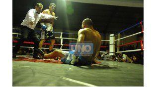 Buen marco de público. Las peleas fueron acompañadas por un buen marco de público que colmó el Juan Manuel Baglietto.  Foto UNO / Juan Manuel Hernández