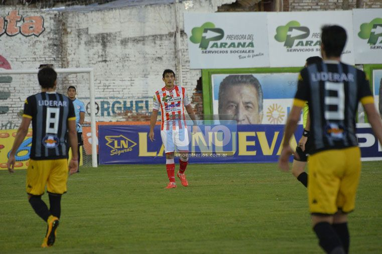 Reynoso destacó el primer tiempo que hizo el equipo ante Santamarina.  Foto UNO / Mateo Oviedo