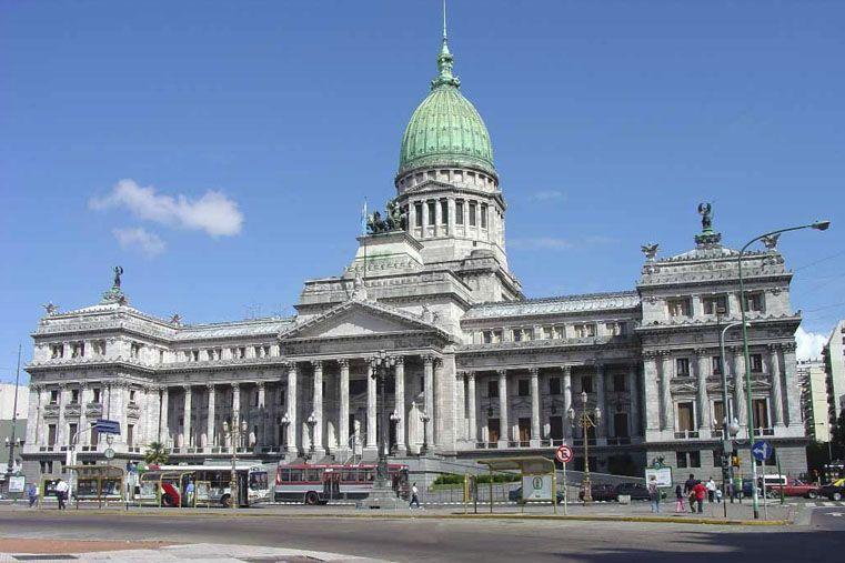 Buenos Aires: Detienen a un empleado del Senado de la Nación acusado de pedofilia