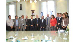 Casamiquela y Urribarri firmaron convenios por 15 millones para productores de distintas localidades entrerrianas