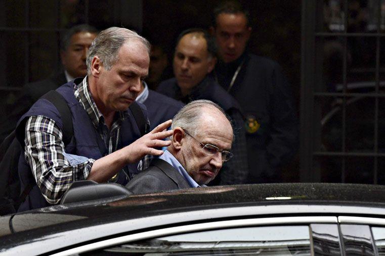 Detuvieron en España al ex ministro de Economía del PP Rodrigo Rato