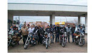 El placer de dar. La gran familia motoquera no descansa cuando de ayudar se trata.    Foto: Gentileza/Facebook Caravana Solidaria Entre Ríos