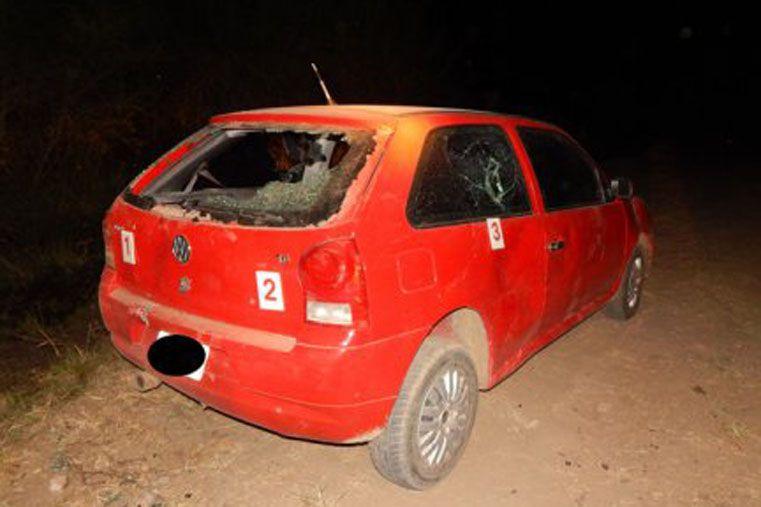 Automovilista descontrolado, chocó a una ciclista y huyó a los tiros