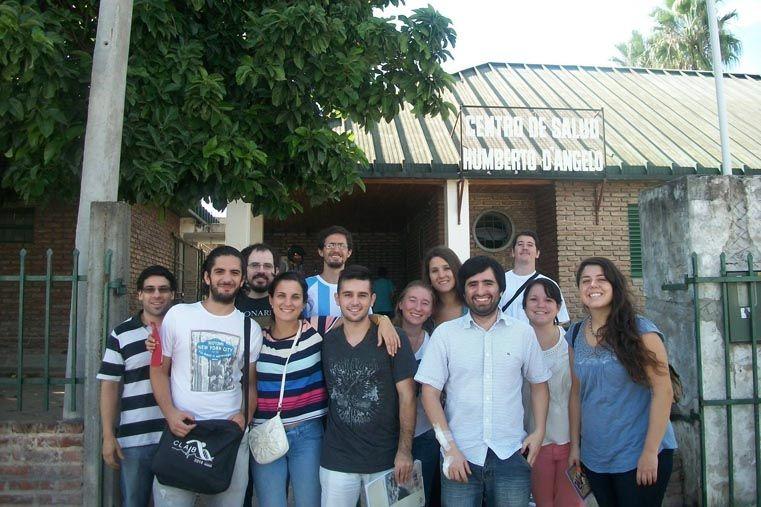 Estudiantes de Ingeniería. Aprenden y se especializan junto al centro de salud Humberto D'Angelo. Foto: Gentileza Cátedra de Salud Pública UNER