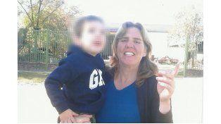 Otros tiempos. Cuando Zulma podía compartir más tiempo con su hijo: hoy ya no le quedan ganas de sonreír.