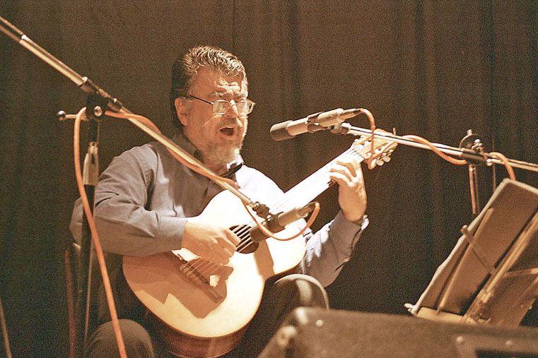 Símbolo. El músico Miguel Martínez y una evocación del mundo zurdeño. Foto UNO/Archivo
