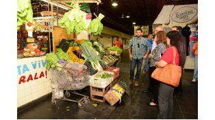Puesta en valor. Los funcionarios visitaron el Mercado Sud.