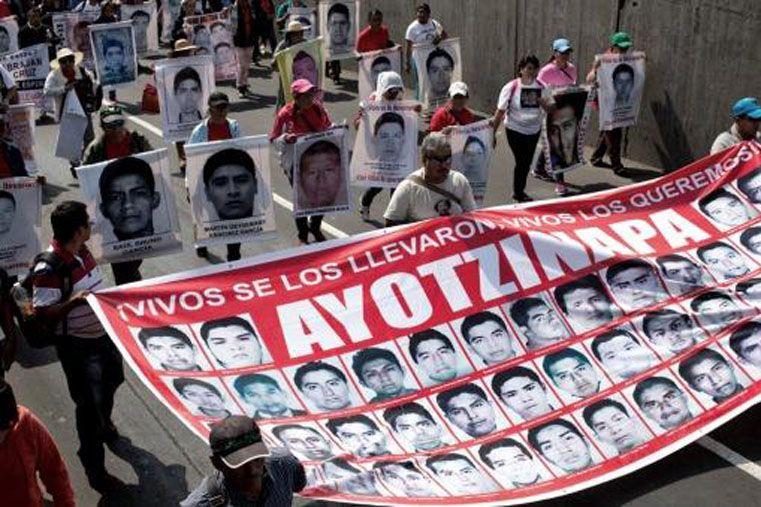 Conmocionado. El país azteca está dividido por el asesinato en masa.
