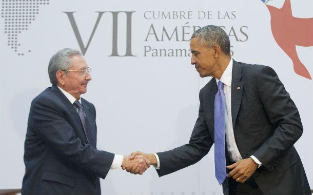 Obama y Raúl Castro sellaron el deshielo con un histórico diálogo en Panamá