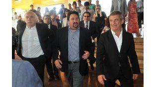 Elogios. Urribarri recibió el reconocimiento de Closs y del ministro Casamiquela durante su paso por Misiones.
