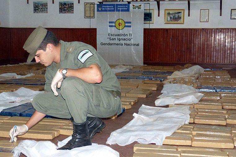 Golpe. Había más de 1.200 ladrillos de droga en el camión