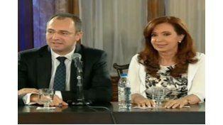 Cristina asistió al reconocimiento del Senado al neurocirujano que la operó