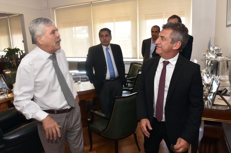 Urribarri y De Vido acordaron obras energéticas por casi 1.400 millones de pesos