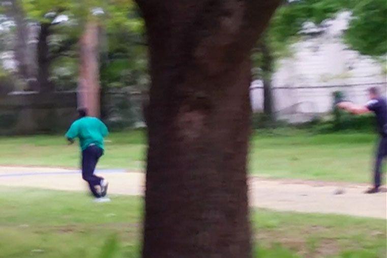 El momento del crimen policíaco en North Charleston. Foto: Captura Video