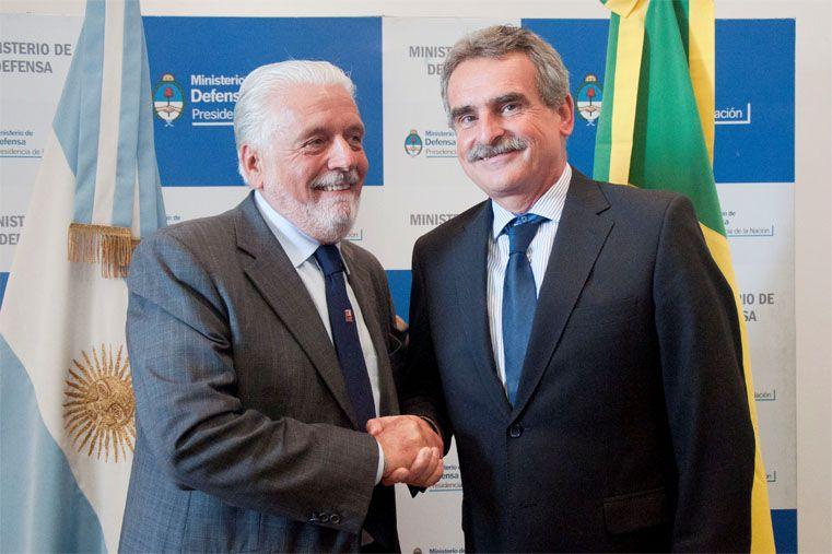 """Agustín Rossi recibió a su par del Brasil, Jaques Wagner: """"Somos socios y aliados estratégicos"""""""