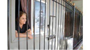 Asombrada. Una vecina contó que siente miedo y no sale por lo sucedido. Foto Gentileza/Diario de Cuyo