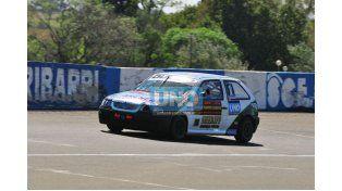 En el TP 1600 el que lideró la carrera desde el inicio y la ganó fue el campeón Exequiel Duerto con VW Gol.  Foto: UNO/ Juan Manuel Hernández