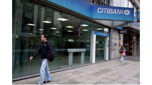 Incertidumbre. El Citibank sigue operando con normalidad