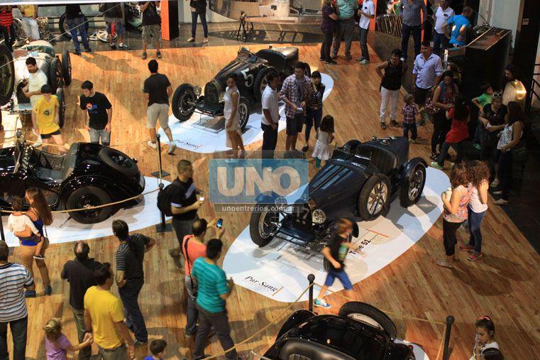 Recorrido. Entre autos Bugatti