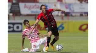 Los Andes sigue en la cima del torneo con 18 unidades. Foto: Télam
