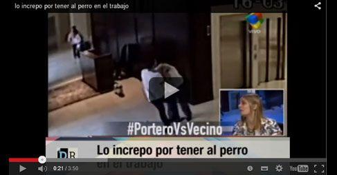 Video: pateó al perro del portero del edificio y terminaron a las trompadas en el suelo