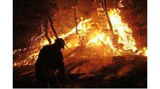 Hay familias evacuadas en Lago Puelo por nuevos incendios