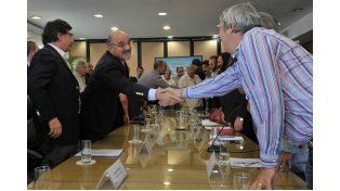 Docentes acordaron un piso salarial de 5.600 pesos en la negociación nacional