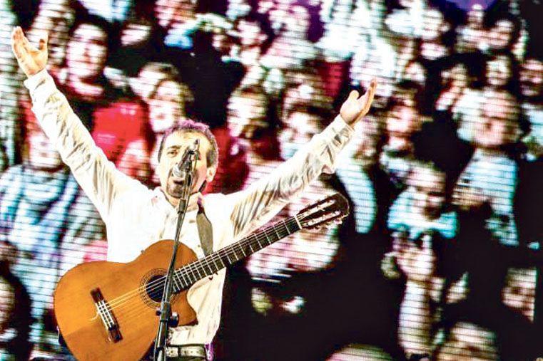 ENTRERRIANO. El artista lleva la música de la provincia a distintos puntos del país en cada uno de los festivales populares en los que se presenta.