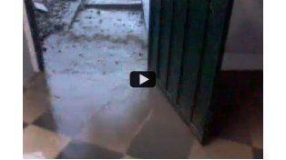 Así se inundaba una casa en Bajada Grande