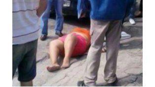 Un hombre apuñaló a su pareja tras discutir en plena calle