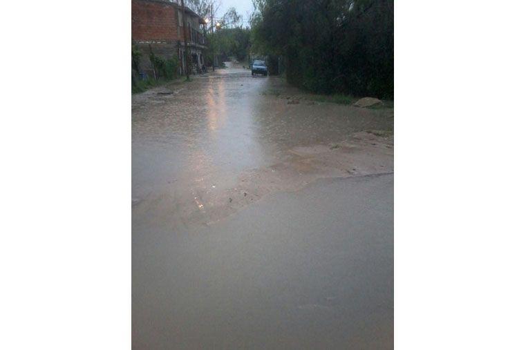 Los vecinos del barrio Los Arenales sufren serios problemas por la lluvia