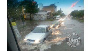 Foto de Zelmar Torra de calle Cuchurruarín y 3 de Febrero.