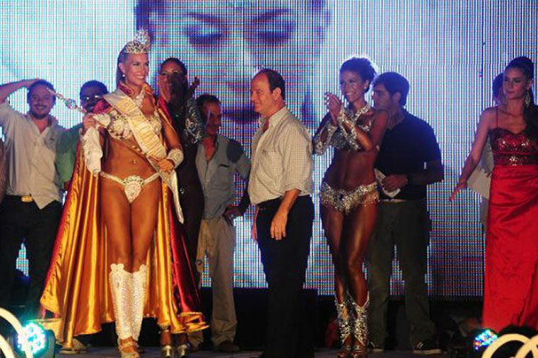 La reina del Carnaval del País es de la comparsa Kamarr