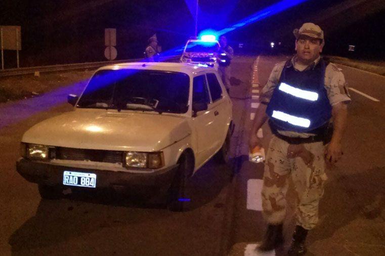 Secuestraron un auto trucho conducido por un miembro de Policía Federal