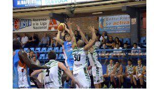 El equipo de Paraná tuvo uno de sus rendimientos más bajos en la temporada. (Foto UNO/Mateo Oviedo)
