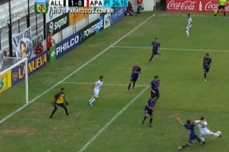 Polémico gol de López. (Imagen TV Pública)