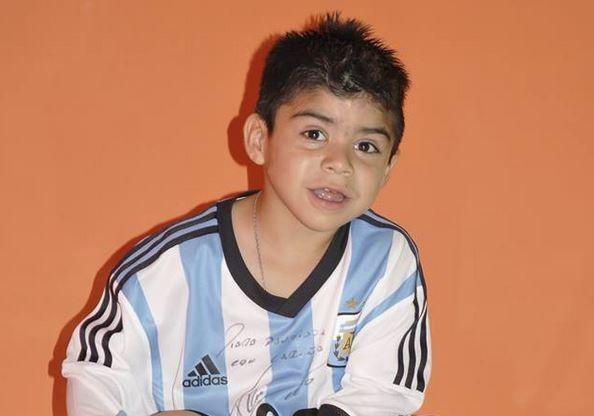 Un niño de cinco años con síndrome de SBW sueña con abrazar a Lio Messi