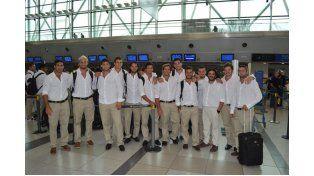 El equipo partió desde Ezeiza para formar parte de los partidos que se vienen de preparación  Foto Gentileza /  UAR