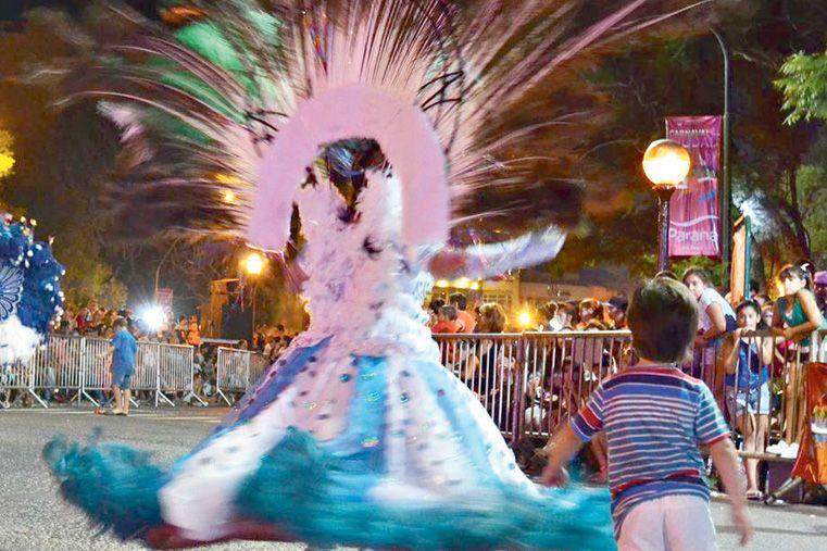 CLIMA FESTIVO. Resonaron los tambores y el corazón del Parque se vistió de colores.  Foto Gentileza/ Ferny Kosiak
