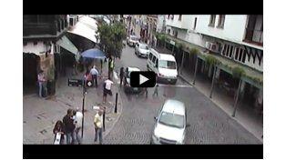 Video: un niño es atropellado en el centro de Salta