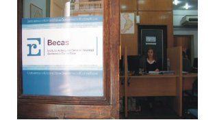 Hasta este viernes se recepcionan los formularios de becas para el nivel primario y secundario