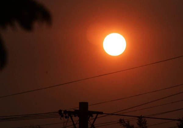 En Neuquén el sol se tiñó de rojo y causó asombro