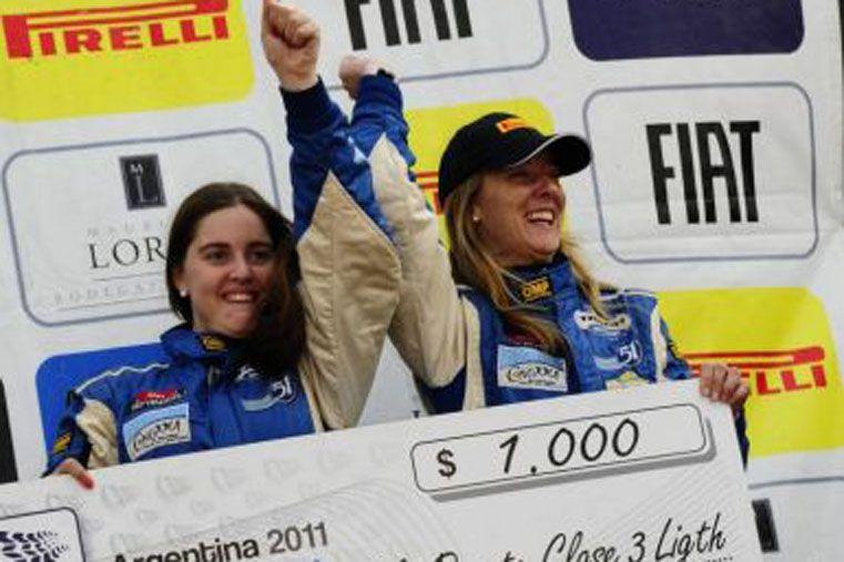 Nadia y Florencia correrán con un Ford Fiesta en la Clase Junior.