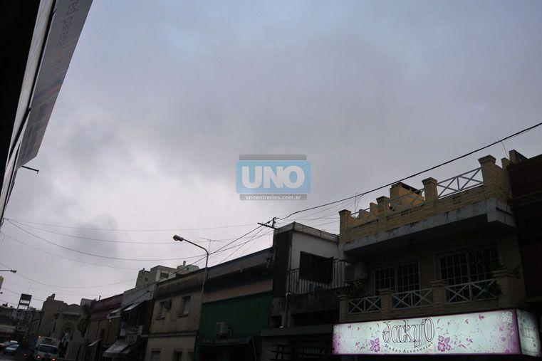 Anuncian lluvia en la costa del Paraná