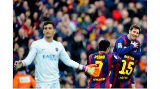 Messi festejó sus 300 partidos con tres goles