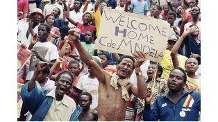 Sudáfrica. Una de las naciones negras que logró salir del sometimiento ya cuando se despedía el siglo XX.