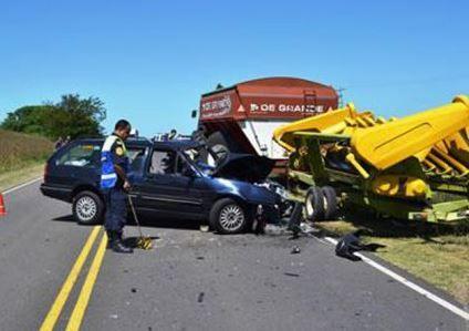 Una mujer falleció y una menor sufrió lesiones graves en un accidente cerca de Larroque