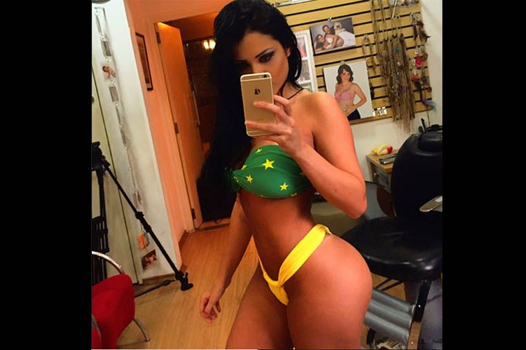 Una modelo posó desnuda con la bandera brasileña y tuvo que pedir perdón